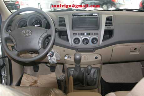 Wheel and Rim of LHD Toyota Hilux Vigo 2010 2009.