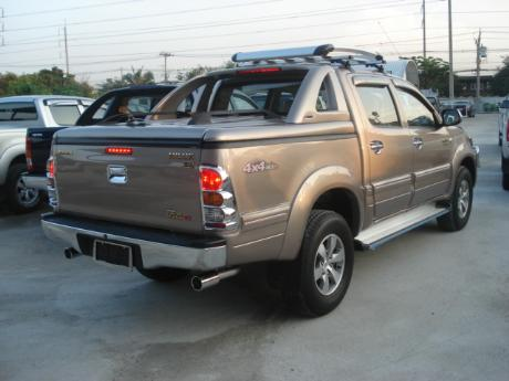 new Toyota Hilux Vigo Double Cab with Superlid GSR at Thailand's top Toyota Hilux Vigo dealer Soni Motors Thailand